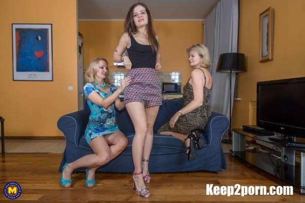 Diana 52, Foxy 43, Lizi Vogue 23 - Stepmom and Stepdaughter seduce a Milf for kinky fun [FullHD] - Mature.nl