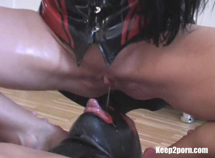 Carmen Rivera - Pissing a slave in the mouth beauty brunette [Clips4sale / SD / 576p]