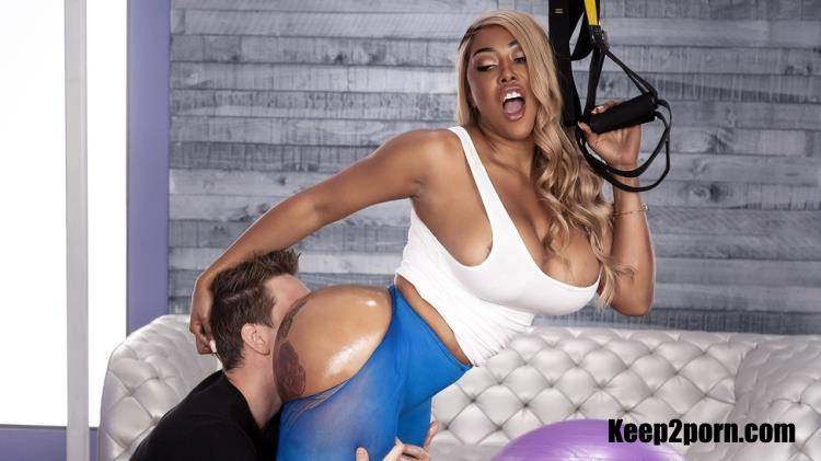 Moriah Mills - Cross-Training For Cock [BrazzersExxtra, Brazzers / FullHD / 1080p]
