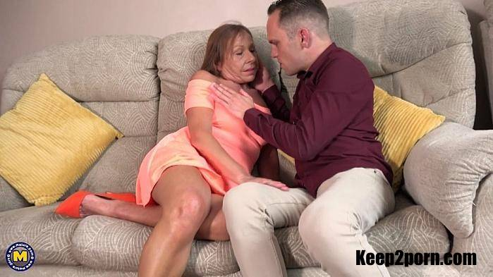 Holly (EU) (52) - Mature Holly invites young guys on occasion for a steamy fun afternoon [FullHD 1080p] Mature.nl