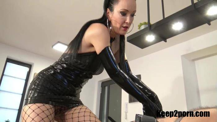 Fetish Liza - Milked And Bound Latex Glove Slave [GloveMansion / HD 720p]